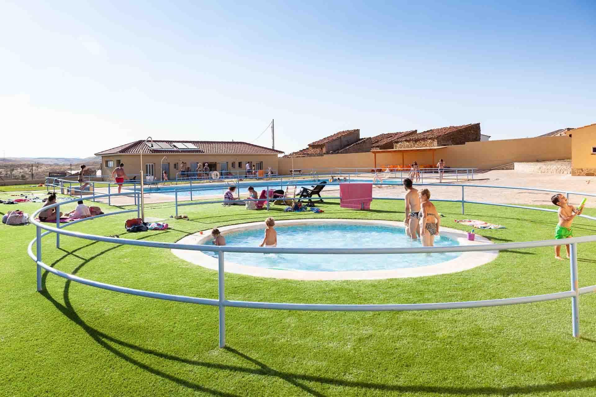 Adecuaci n y mejora de las piscinas de cortes de arag n for Piscina teruel